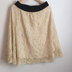 Lularoe Lola pale gold/cream lace skirt